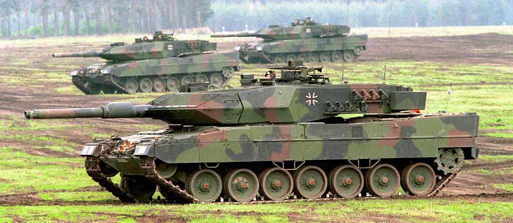 france VS germany Deutscher_panzer_leopard